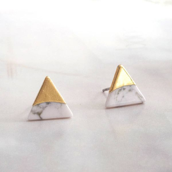 DOSE of ROSE Triangle Gold Foil Stud Earrings ($16) ❤ liked on Polyvore featuring jewelry, earrings, rose jewelry, marble jewelry, earring jewelry, triangle jewelry and triangular earrings