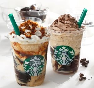 コーヒージェリーたっぷり、スタバの新フラペ--キャラメルとチョコどっちにする?