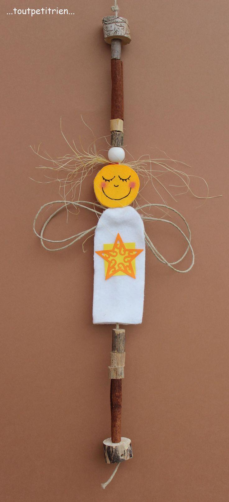 #bricolage #enfant. Ange en feutrine, ficelle et sisal. Le visage est découpé à l'aide d'un emporte-pièce rond dans un sajex compressé. www.toutpetitrien.ch - fleurysylvie.