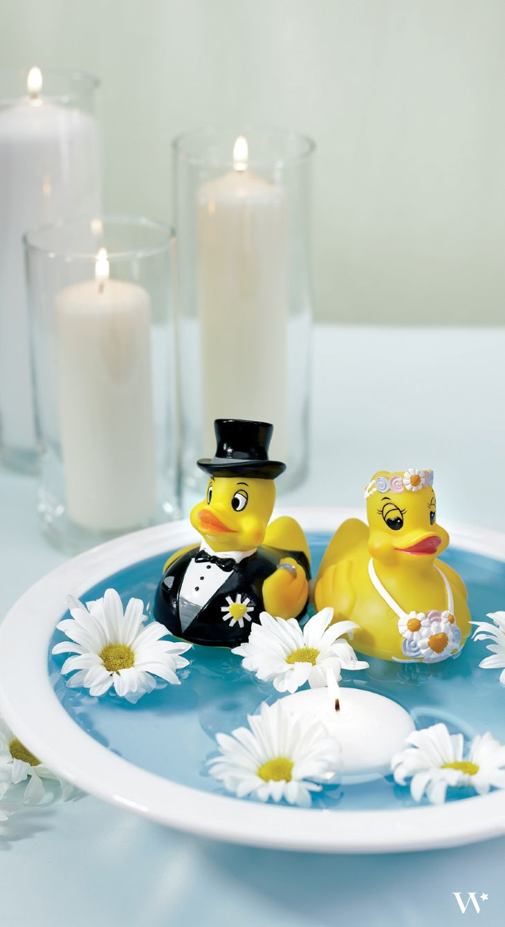 The perfect yellow wedding favor for kids: Bride and Groom Rubber Duckies || Wedding Favor || Flower Girl || Ring Bearer