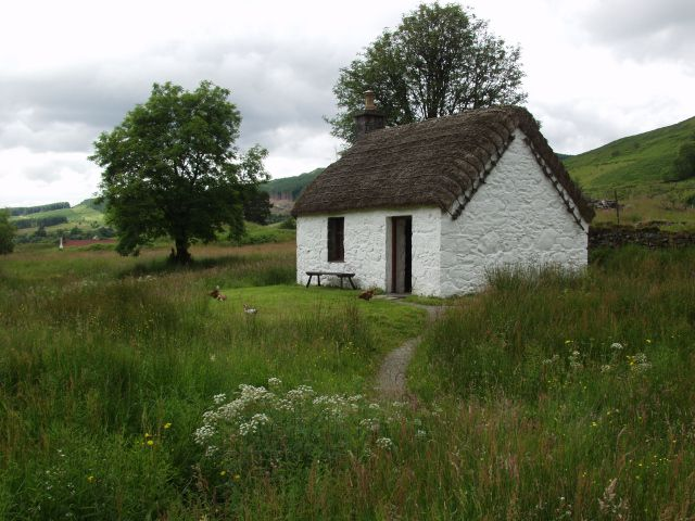 lakefront cottage plans with green grass   House Plans and Design: House Plans Small Thatched Cottage ...