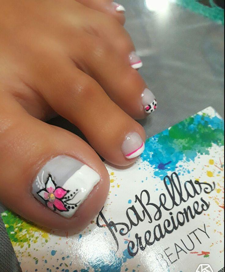 #arteconamor #uñaslindas #beauty #Isabel #flor ##animalprint #nails #masglo ##pies
