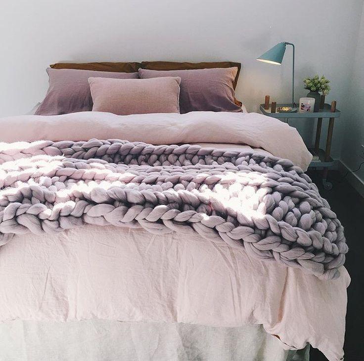 Lilac 100 Australian merino wool chunky