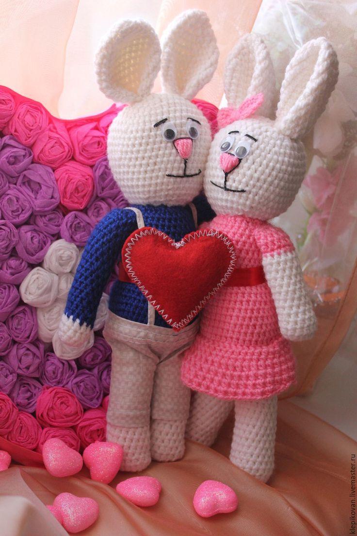 Купить Влюбленные зайки ко дню святого Валентина - белый, розовый, чёрно-белый, синий