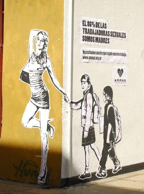 """""""El 86% de las trabajadoras sexuales somos madres"""": prostitutas buscan protección legal de su trabajo con arte urbano"""
