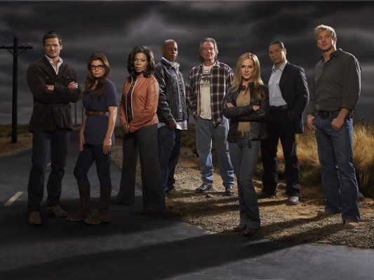 Still of Holly Hunter, Laura San Giacomo, Bailey Chase, Lorraine Toussaint, Gregory Cruz, Kenny Johnson, Leon Rippy and Bokeem Woodbine in Saving Grace