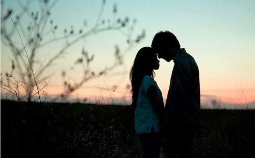 "Good Night Shayari For Girlfriend   "".....Good Night Shayari For Girlfriend.....""  Good Night Shayari in Hindi for Girlfriend  Humarihar raat tumhare sath ho  Or pyar mohabbat ki baat ho  Hum lele tum ko bahon me apni  Fir bataye tum hi jindgi tum hi hamari kainaat ho.  Good Night Dear  Romantic GN Shayari for Girlfriend  Ho aaj pyar ka jaadu  Or ek yaadgar pal ban jaye  Tum bas aaj jao khwab mein humare  Taki aaj ki raat sab se pyari ban jaye.  Good Night Jaan.  Cute Good Night Shayari for…"