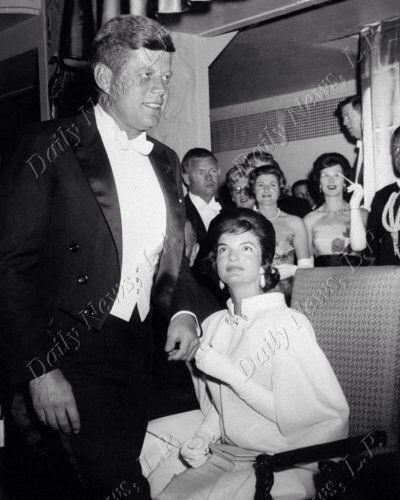 1961. 20 Janvier. Mayflower Hotel. Jack et Jackie (New York Daily News)