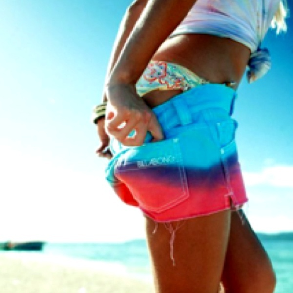 <3 these tie-die shorts...Fashion, Style, Clothing, Ties Dyes, Summer Lovin, Tye Dyes, Summertime, Bright Colors, Billabong Shorts