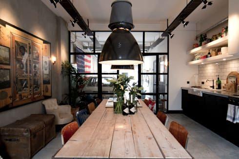 Sala da pranzo in stile in stile Industriale di BRICKS Studio