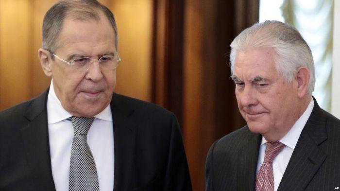 Tillerson se reunió el miércoles con el ministro ruso de Exteriores, Sergei Lavrov, un veterano diplomático cuya encendida defensa de las políticas de Putin ha frustrado a varios predecesores de Tillerson.