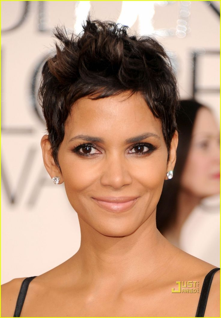 halie berry | COOL WALLPAPERS: Halle Berry 2011