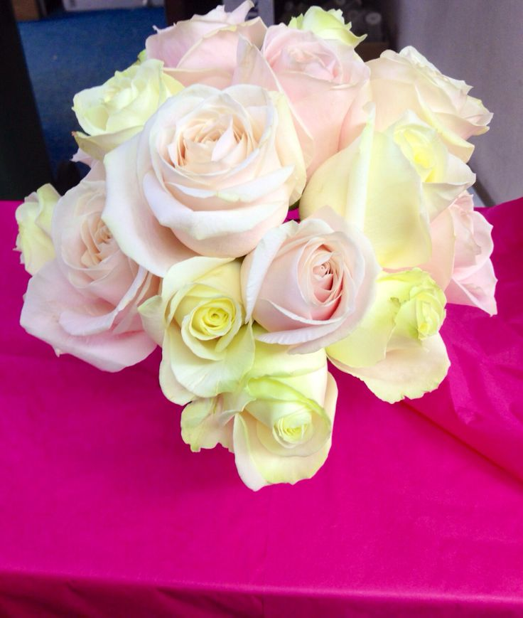 Mixed Avalanche & Sweet Avalanche Roses Bouquet