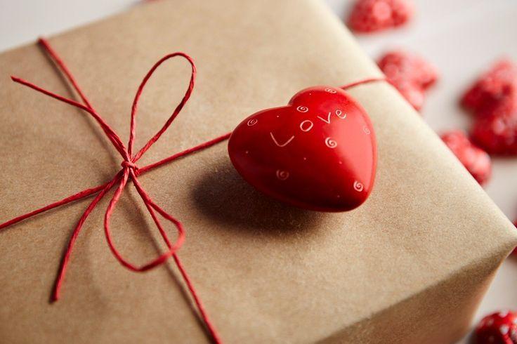 San Valentino è Amore! Un'occasione per regalare il proprio tempo e coccolare il proprio amato e il regalo giusto fa emozionare. Idee regalo da Castello degli Angeli a partire da € 25.