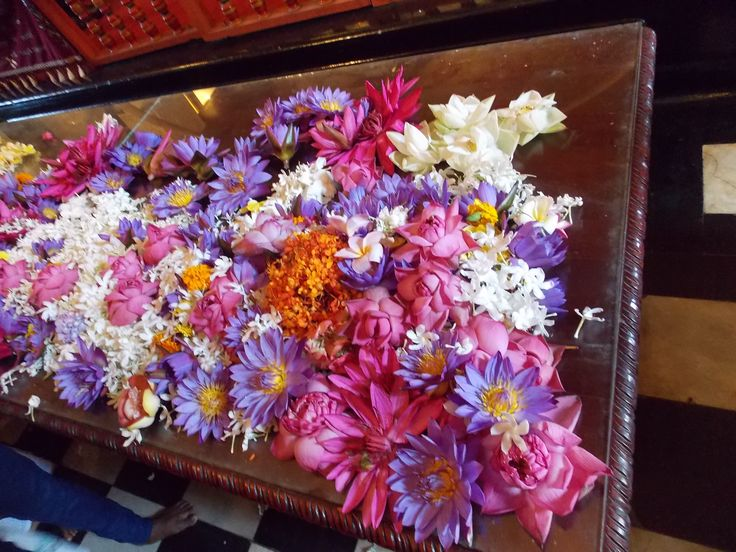 flower offers kandi sri lanka