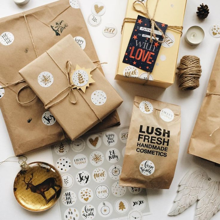 Wrapping presents for New Year. Sooo excited) This year I'm decorating everything with my own stickers) 🎁 #holiday #christmas #newyear #presents #wrapping #wrappingpaper #lush #lushchristmas #stickers #handmade #новыйгод #подарки #упаковка #наклейки #стикеры #праздник