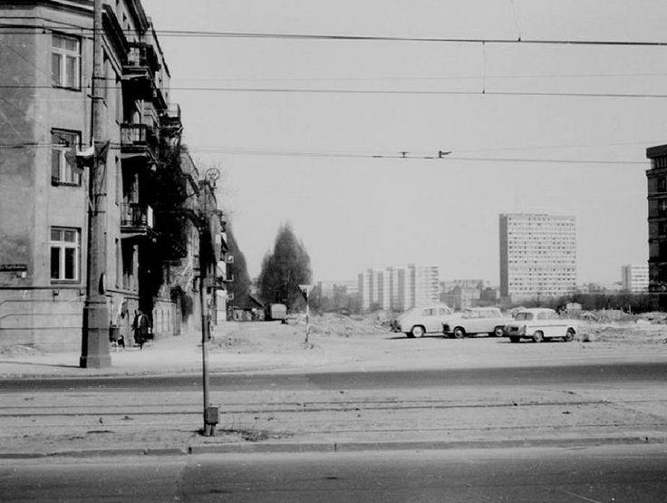 Al. Niepodległości róg Wawelskiej. Fot. 1972r., źr. kolejkamarecka.pun.pl