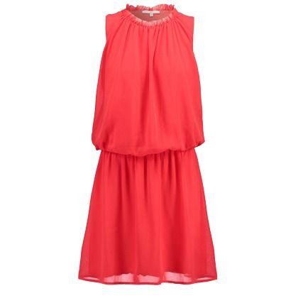 Pourquoi ne pas l'impressionner avec une jolie robe courte rouge à l'occasion de votre rendez-vous romantique ou d'un dîner chic! Dès 50,00€. Retrouvez-la ici:  http://www.stylefru.it/s962193 #robe #tendance #romantique #feminine #rendezvous