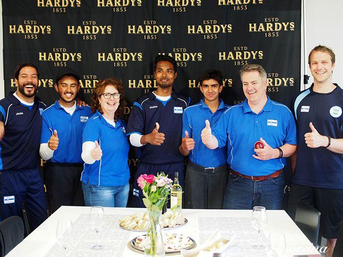 Hardys viiniä, krikettiä ja 40  bloggaajia