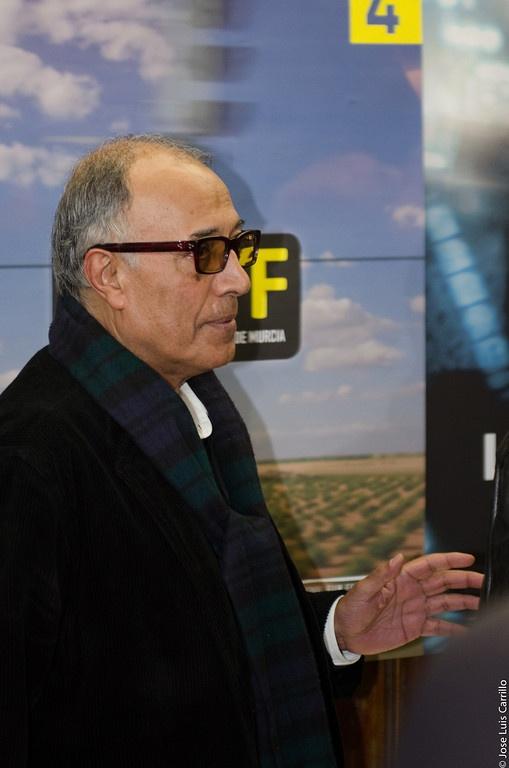 Estreno de LIKE SOMEONE IN LOVE  de Abbas Kiarostami, Filmoteca de Murcia 04/03/2013.