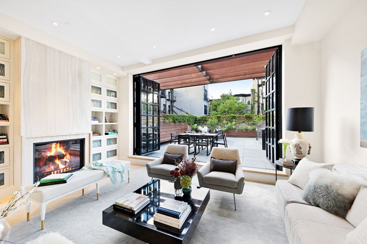 Ridiculously lavish Carroll Gardens townhouse seeks $10M - Curbed NYclockmenumore-arrownoyes : The townhouse comes with a Tesla charging station, a sauna, and an elevator