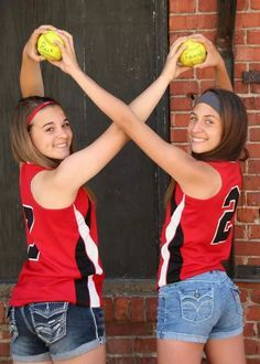 Infinity best friend softball pictures!❤️⚾️