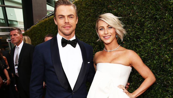"""'DWTS' dancers Julianne and Derek Hough make an exciting announcement  Brother and sister dancers Julianne Hough and Derek Hough have swept the nation off its feet with their winning performances on """"Dancing with the Stars."""" The siblings have just announced that they are joining forces for a new tour."""