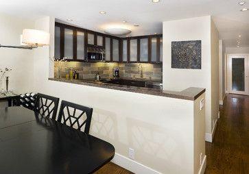 small kitchen that works! condo idea for sure
