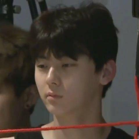 Minhyun: 'I just woke up' face