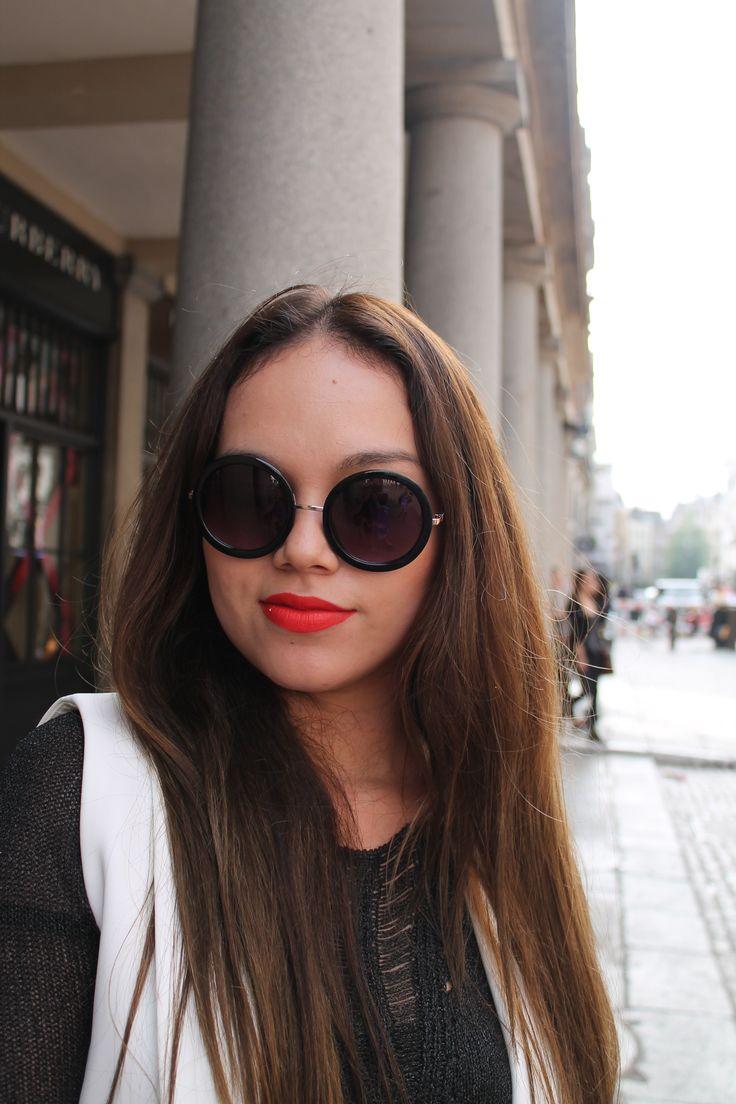 Got that summertime sadness. #boldlip #makeup #beautybloggers #London #makeup #sunglasses
