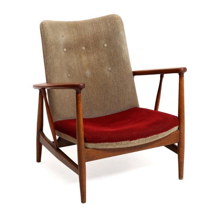 Finn Juhl Sw 86 An Oak Armchair With Teak Armests