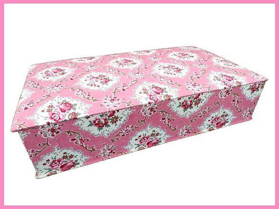 Boite a couture ouvrage ou tricot en tissu à fleurs rose