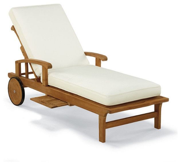 Outdoor Chaise Lounge Chair With Solid Wood Frame And There Are Wheel