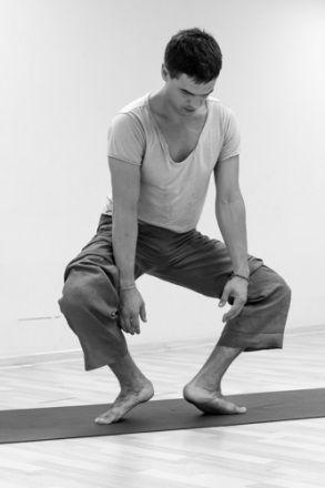 Йога-терапия при патологиях коленных суставов | Будь Светом
