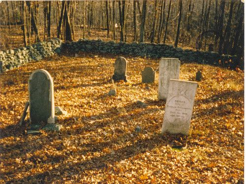 Haunted Graveyard, Enfield CT - Protected by Fed Cop...: Ghosts Stories, Ghostshauntingsabandon Places, Peace Ghosts, Fed Cops, Ghosts Tail, Haunted Places, Creepy Destinations, Eerie East, Haunted Graveyards