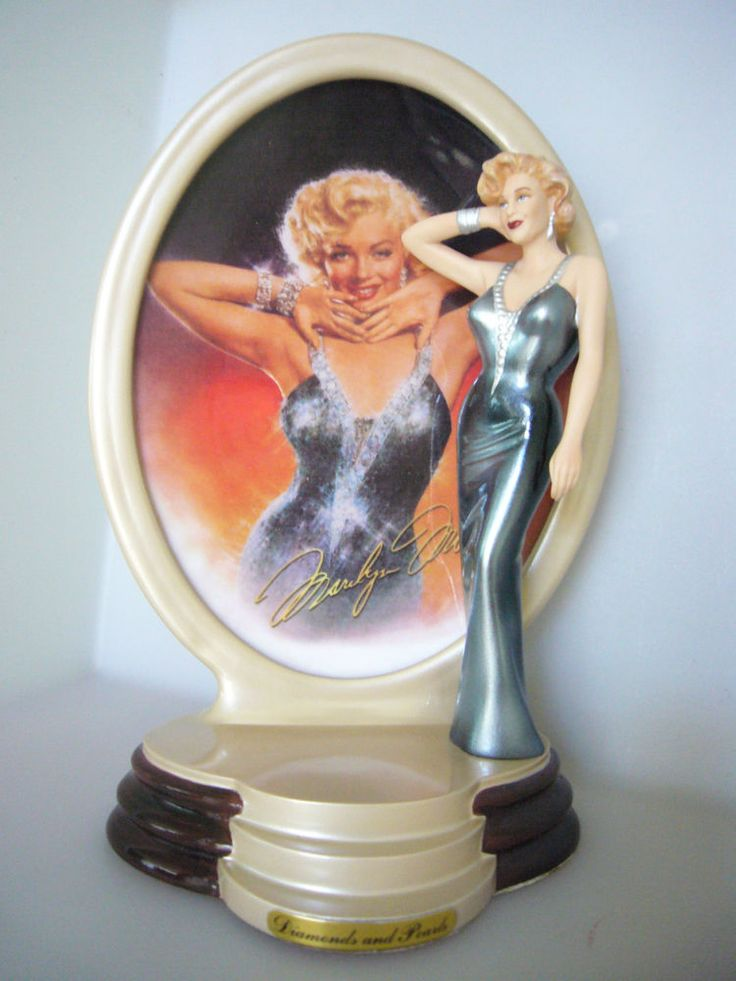 Marilyn Monroe Diamonds and Pearls Porcelain Figurine A Shimmering Star