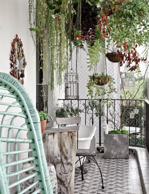 20 creative modern ideas to transform small balcony for Creative patio furniture