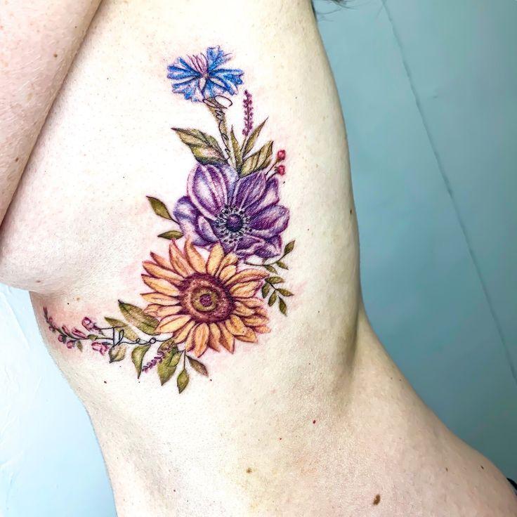 @mhxbones mit @light_grey_studio Floral botanische Tätowierung. Tätowierungen für Frauen. De …