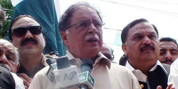 #Imran continuously flouting EC rules: #Rasheed