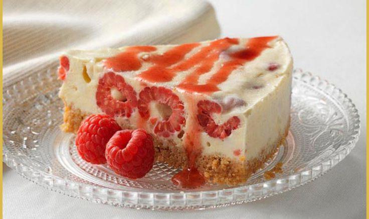 Απολαύστε λαχταριστό Cheesecake με μαρέγκα και φράουλες εύκολα και γρήγορα!