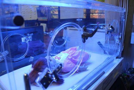 Bisa Hangatkan Bayi Lahir Berbobot Rendah, Begini Mekanisme Kerja Inkubator