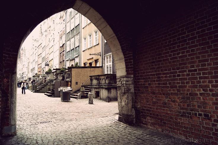 Ulica Mariacka w #Gdansk od strony Bramy Mariackiej.  #SlightlyDelicious