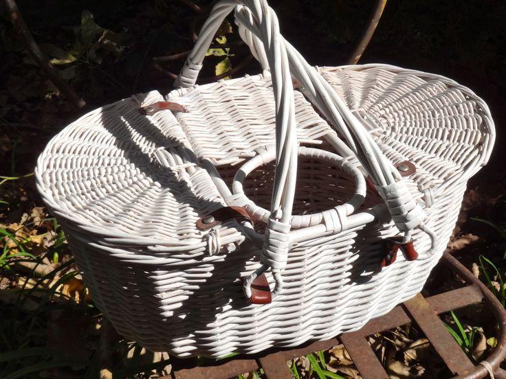 White Wicker Basket, Wine Basket, Basket with Handles, Picnic Basket with Wine Holder, Wine Bottle Basket, Vintage Storage, Kitchen Decor by CasaKarmaDecor on Etsy