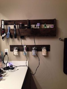 Make an easy pallet wall shelf for your bathroom storage. This is a list of 24 of the best DIY Pallet projects for your bathroom.