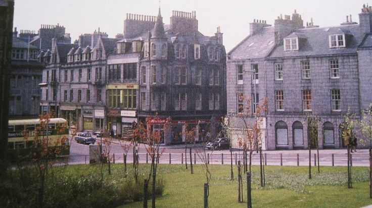Schoolhill, George Street, Upperkirkgate junction circa 1970, when there was grass! Pre the Bon Accord and St. Nicholas Centres.