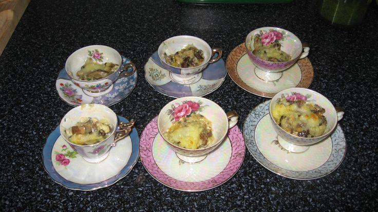Mokkakopper brugt som indslag i otte retters menu