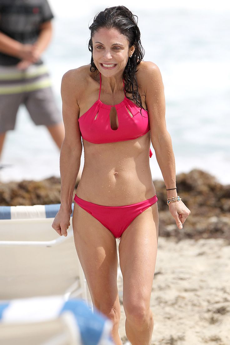 Bethenny Frankel Bikini Pictures In Blue And Red Nipple