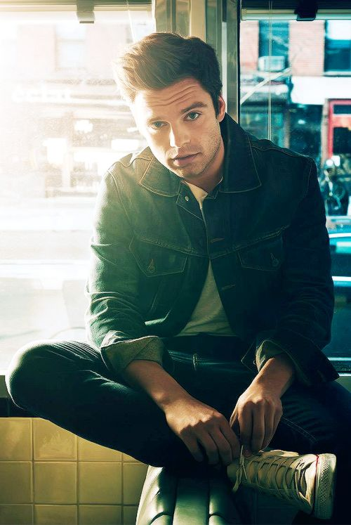 Im ded(i always die whenever i see a pic of seb or anything with seb hes a lady killer)