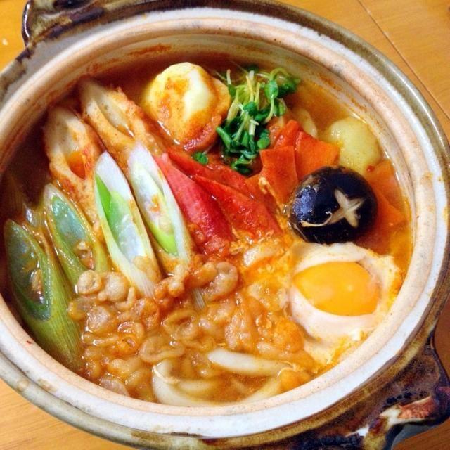 お昼は昨日のキムチ鍋のスープを使って鍋焼きうどん - 22件のもぐもぐ - キムチ鍋焼きうどん by fighterscurry