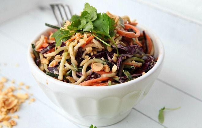 Rauw onbewerkt voedsel pad thai recept